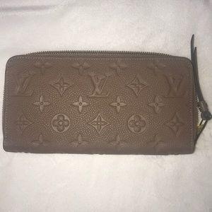 Authentic Louis Vuitton Empreinte Zippy Wallet